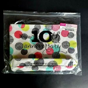 Thirty One Zipper Pouch Punch Bowl Polka Dots New